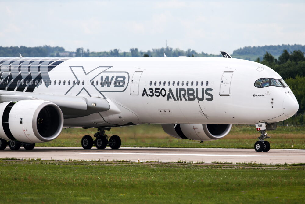 What is the difference between Airbus A350 aircraft?