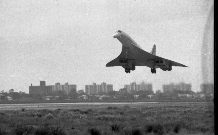 The French-registered Concorde F-WTSB landing at JFK on October 19, 1977.