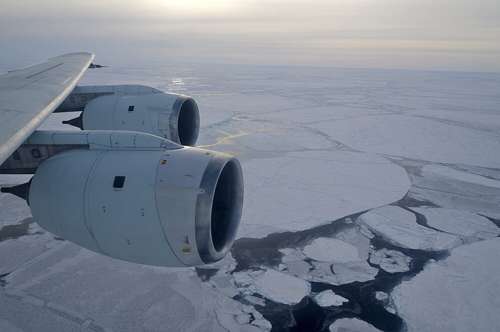 Why don't planes overfly the South Pole ?